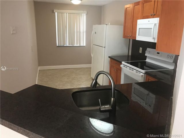 3 BR,  2.00 BTH  style home in Coral Springs