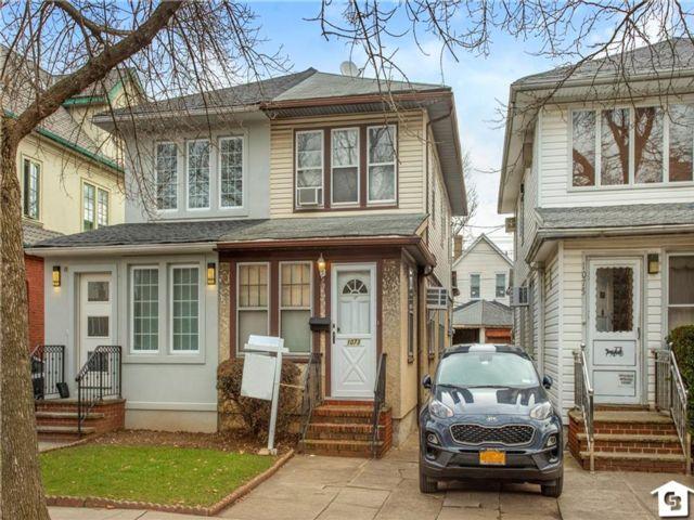 [Midwood Real Estate, listing number 6979408]
