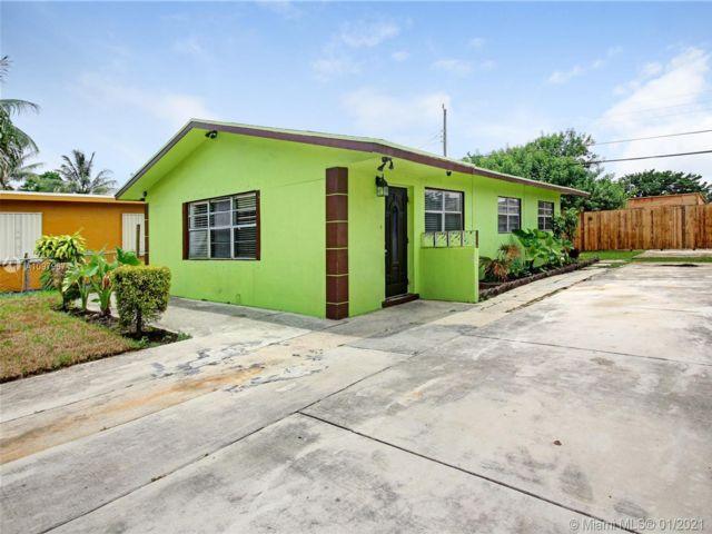 4 BR,  3.00 BTH  style home in Pompano Beach