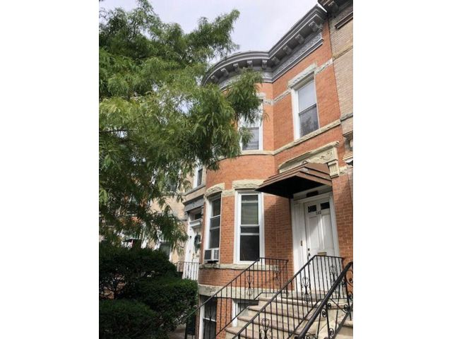 5 BR,  3.00 BTH 2 story style home in Bay Ridge
