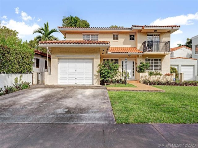 3 BR,  3.50 BTH   style home in Coral Gables