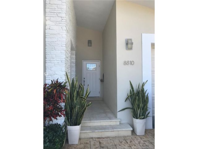 3 BR,  2.00 BTH   style home in Bal Harbour