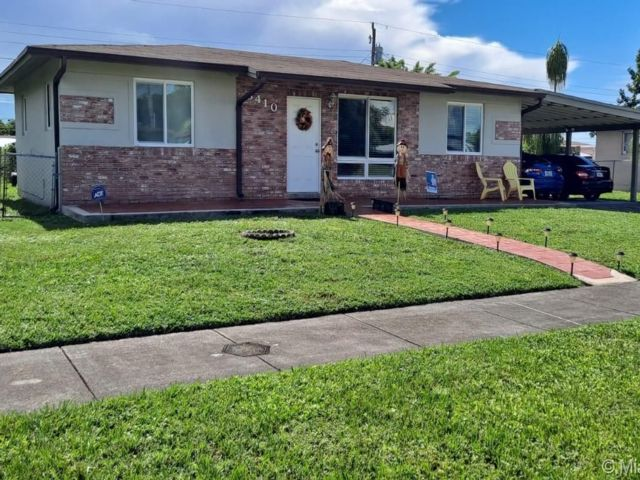 3 BR,  2.00 BTH   style home in Hollywood