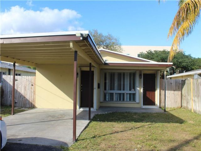 3 BR,  2.00 BTH  style home in Oakland Park