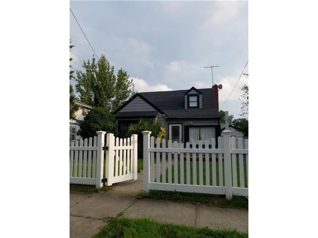 4 BR,  2.00 BTH  Single family style home in Hempstead