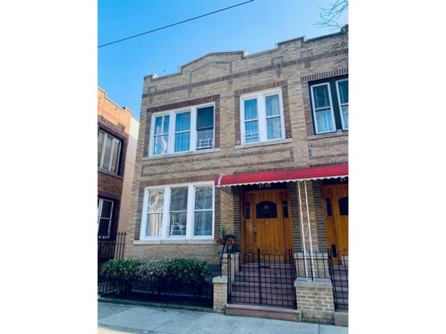 Studio,  0.00 BTH  Multi-family style home in Ridgewood