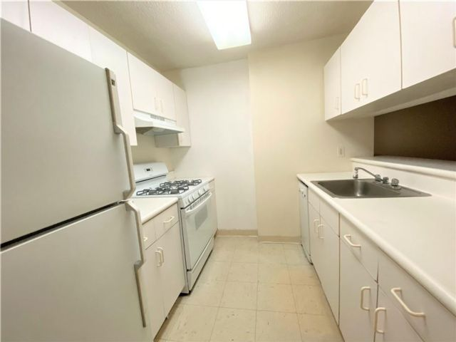 Studio,  1.00 BTH Condominium style home in Tribeca