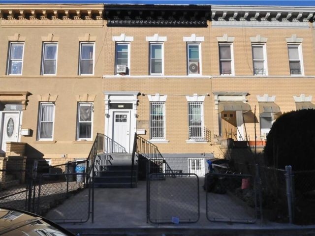 2 BR,  0.00 BTH  Multi-family style home in East Flatbush