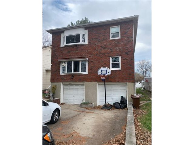 6 BR,  0.00 BTH  Multi-family style home in Westerleigh