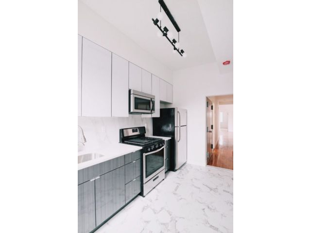 3 BR,  2.50 BTH Commercial style home in Bedford Stuyvesant
