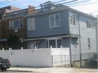 8 BR,  3.00 BTH  Multi-family style home in Brighton Beach
