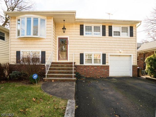 4 BR,  2.50 BTH Bi-level style home in Union