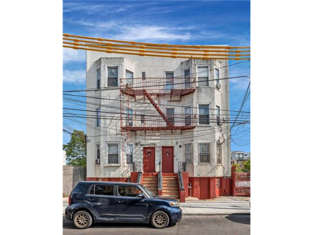 Studio, 11.00 BTH  Multi-family style home in Coney Island