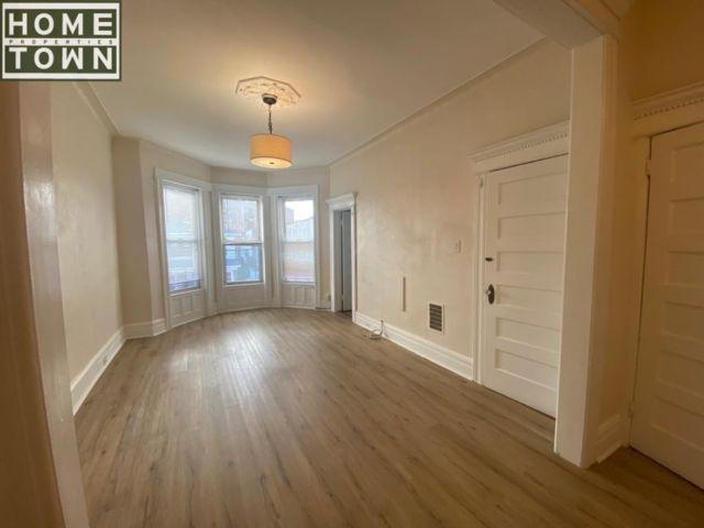 2 BR,  1.00 BTH Rental style home in Bay Ridge