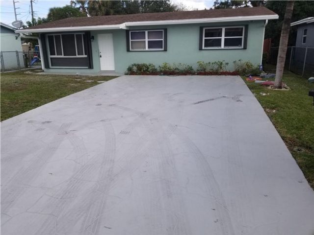 4 BR,  2.00 BTH  style home in Fort Lauderdale