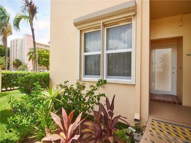 2 BR,  2.00 BTH Condo style home in Hallandale Beach