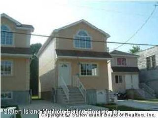 4 BR,  2.55 BTH Colonial style home in Staten Island