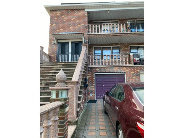 9 BR,  3.55 BTH  style home in Georgetown