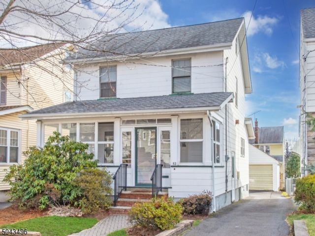 3 BR,  1.50 BTH  Colonial style home in Maplewood