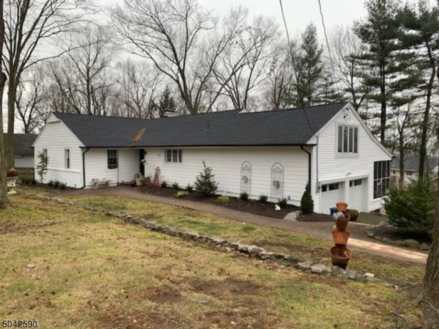 3 BR,  2.00 BTH Ranch style home in North Caldwell