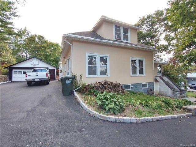 3 BR,  2.00 BTH House style home in Carmel