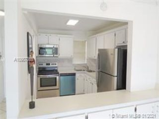 1 BR,  1.50 BTH  style home in Pembroke Pines