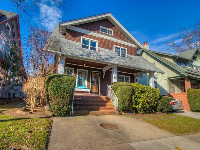 5 BR,  2.00 BTH Single family style home in Ditmas Park
