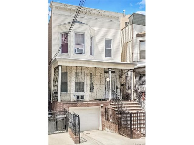 7 BR,  2.00 BTH 2 story style home in Jerome Avenue