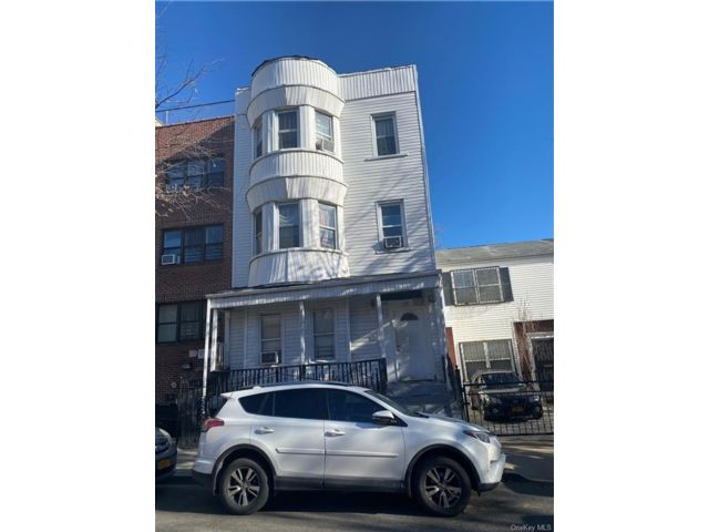 9 BR,  3.00 BTH  Other style home in Morrisania