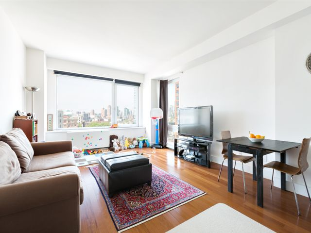 3 BR,  2.00 BTH  Condo style home in Long Island City