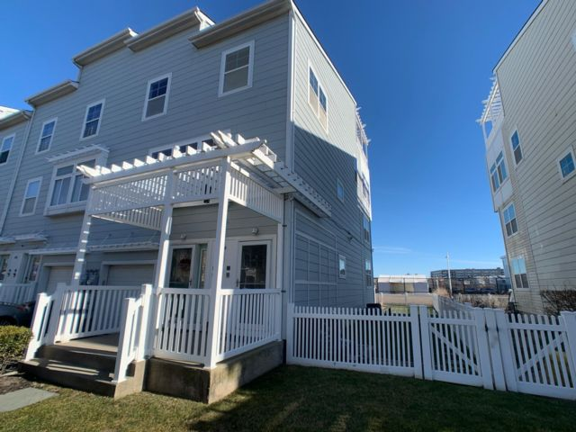 2 BR,  1.00 BTH Townhouse style home in Arverne By The Sea