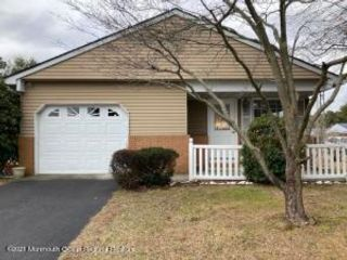 2 BR,  1.00 BTH  Detached style home in Toms River