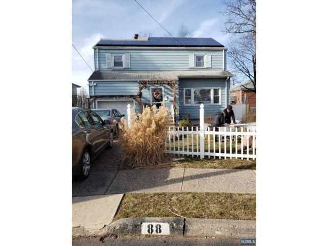 3 BR,  2.00 BTH Colonial style home in Englewood