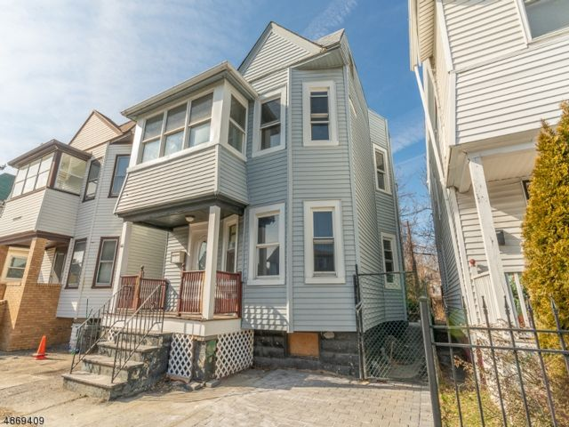 5 BR,  2.00 BTH Multi-family style home in East Orange