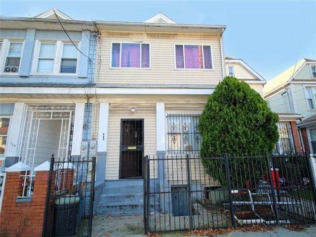 6 BR,  3.00 BTH Multi-family style home in East Flatbush