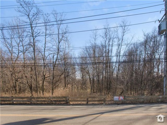 Lot <b>Size:</b>  Land style home in Arden Heights