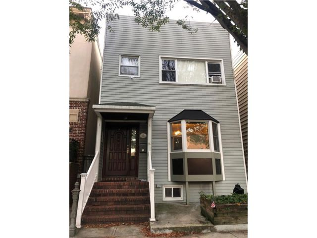 4 BR,  2.00 BTH  Multi-family style home in Windsor Terrace
