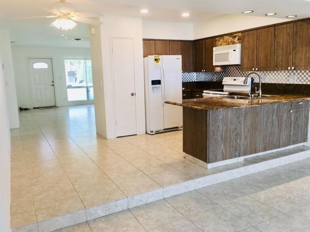 2 BR,  2.00 BTH  style home in Fort Lauderdale