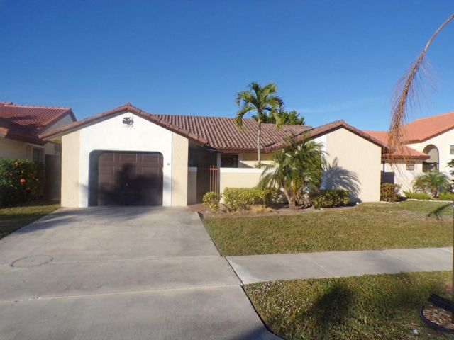 2 BR,  3.00 BTH  Ranch style home in Deerfield Beach