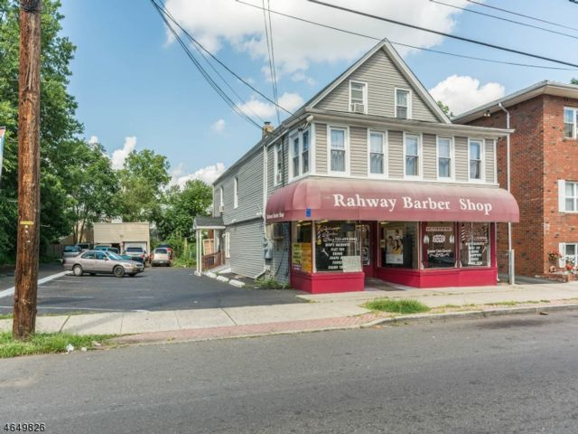 6 BR,  3.50 BTH Multi-family style home in Rahway