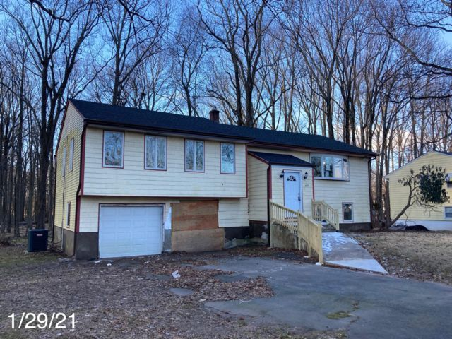 [North Plainfield Real Estate, listing number 6982377]