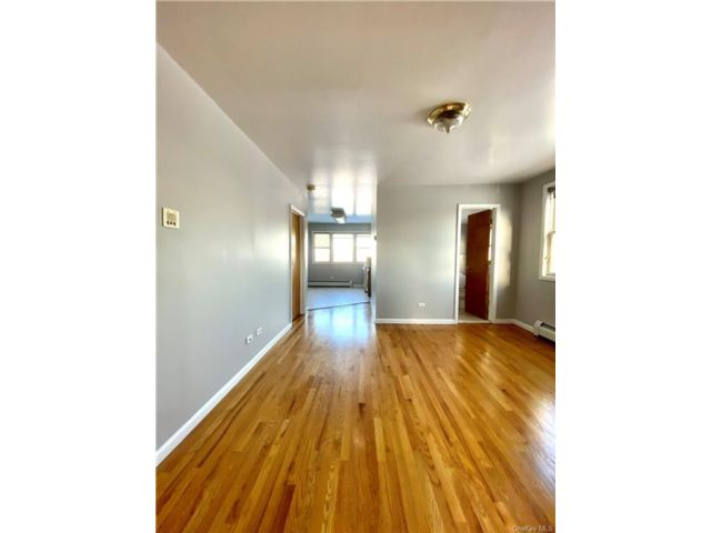 [Throggs Neck Real Estate, listing number 6982437]