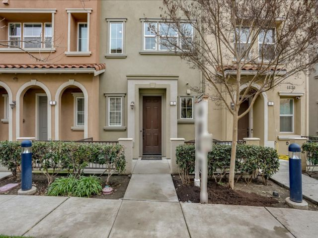 3 BR,  3.00 BTH Townhouse style home in Santa Clara