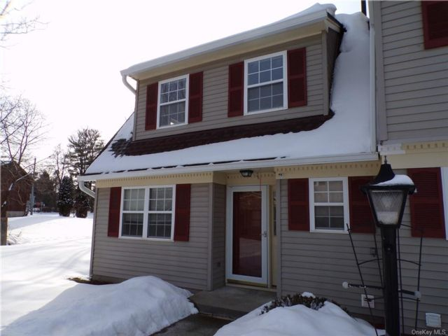 2 BR,  2.00 BTH  Townhouse style home in Montgomery
