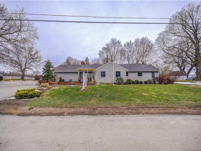 [Warwick Real Estate, listing number 6982656]