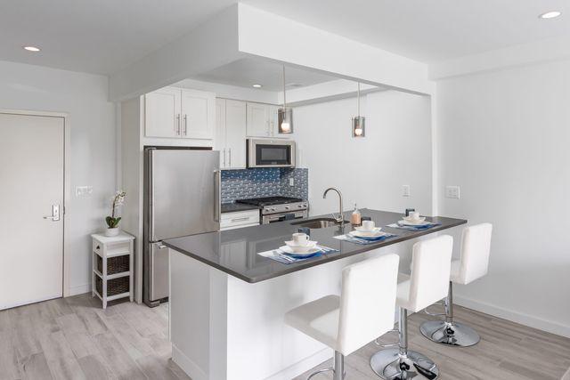 1 BR,  1.00 BTH Condo style home in Astoria