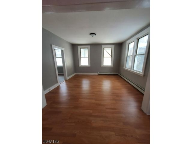 3 BR,  1.00 BTH  House style home in Newark