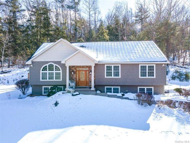 [Crawford Real Estate, listing number 6982811]