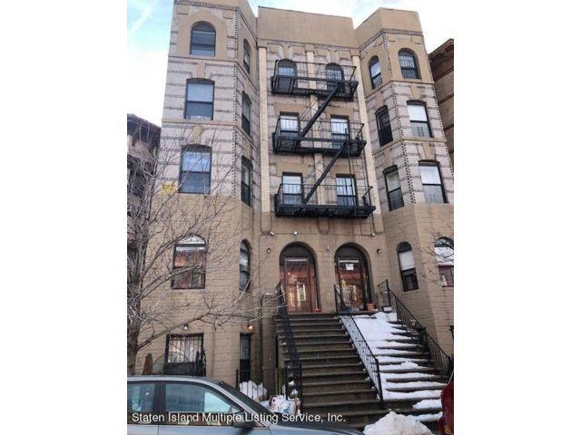 4 BR,  3.00 BTH Condominium style home in Sunset Park
