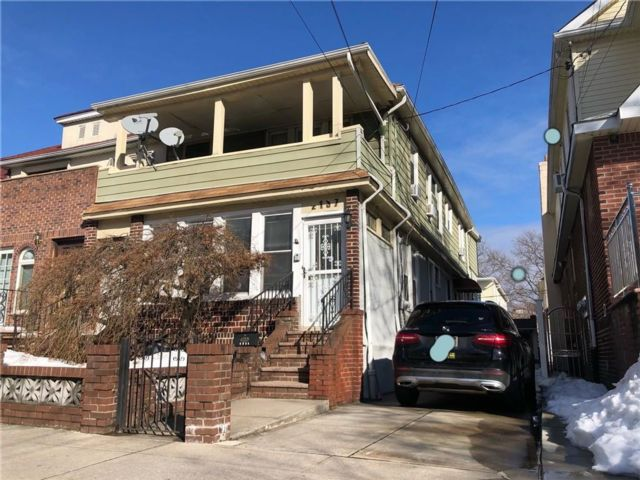 6 BR,  0.00 BTH Multi-family style home in Madison